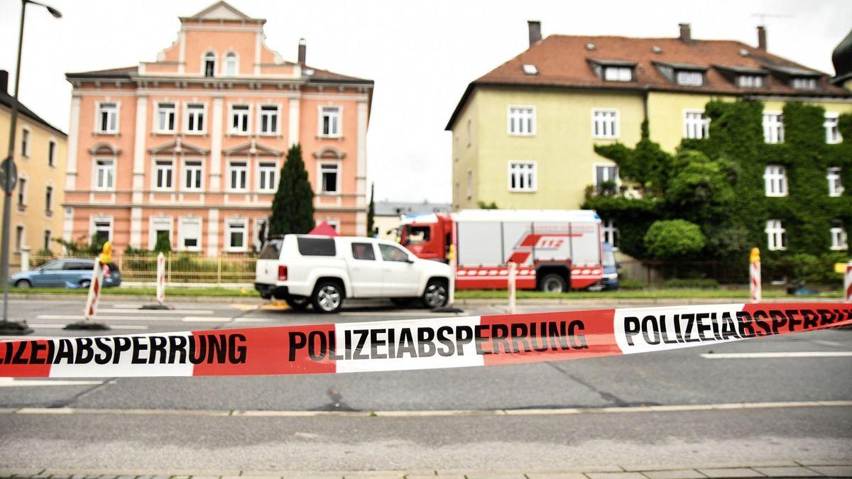 Polizeiabsperrung am 18. Juni 2020 in der Regensburger Furtmayrstraße.