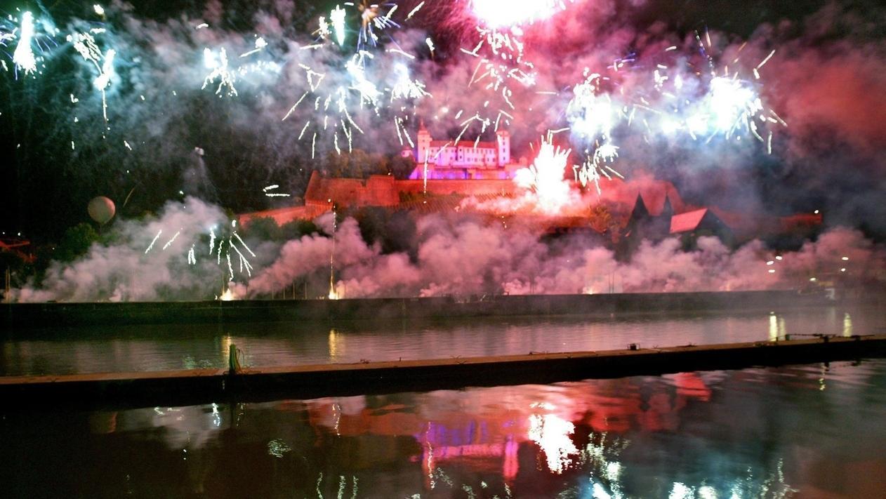 Symbolbild: Feuerwerk Würzburg