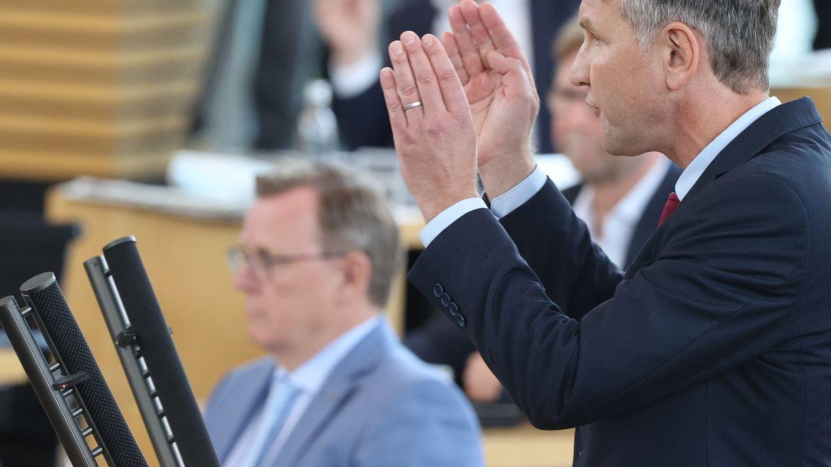 Björn Höcke (AfD, r.) und Bodo Ramelow (Linke) im thüringischen Landtag