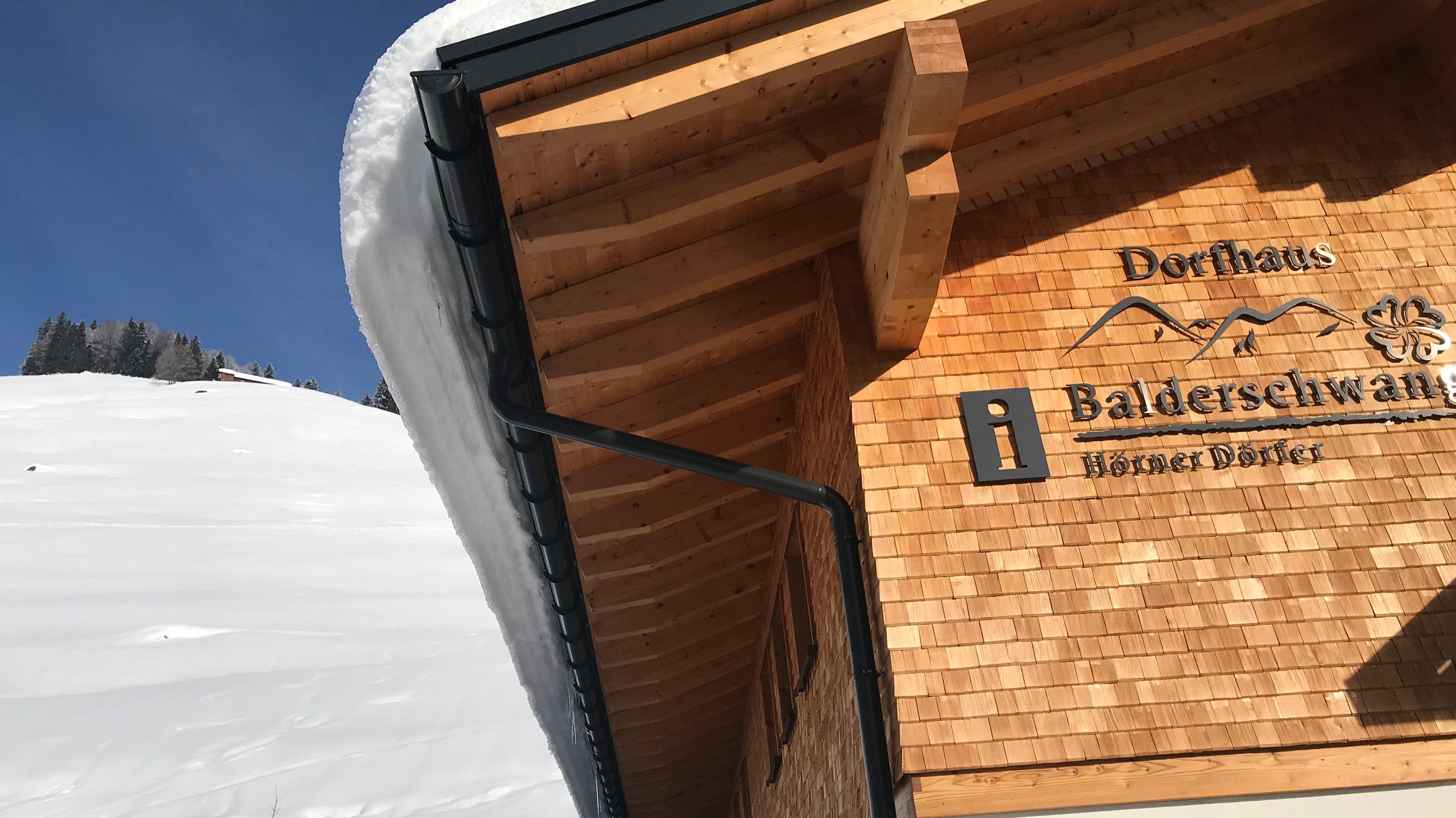 Lawinengefährdet: Das neue Dorfhaus in Balderschwang