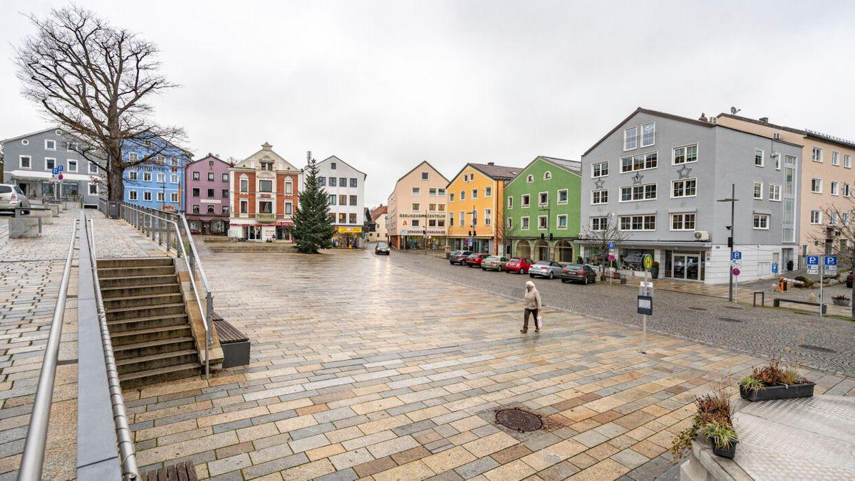 Der Stadtplatz von Regen ist fast menschenleer