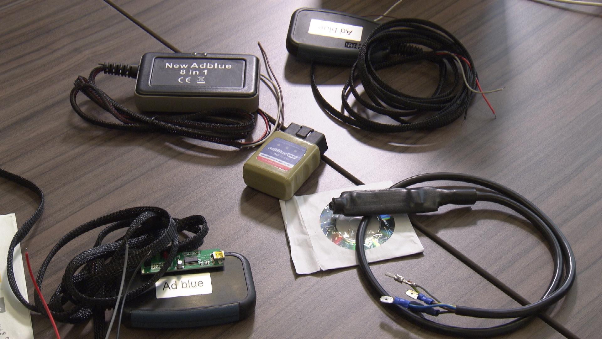 Geräte zur illegalen Manipulation von LKW-Elektronik