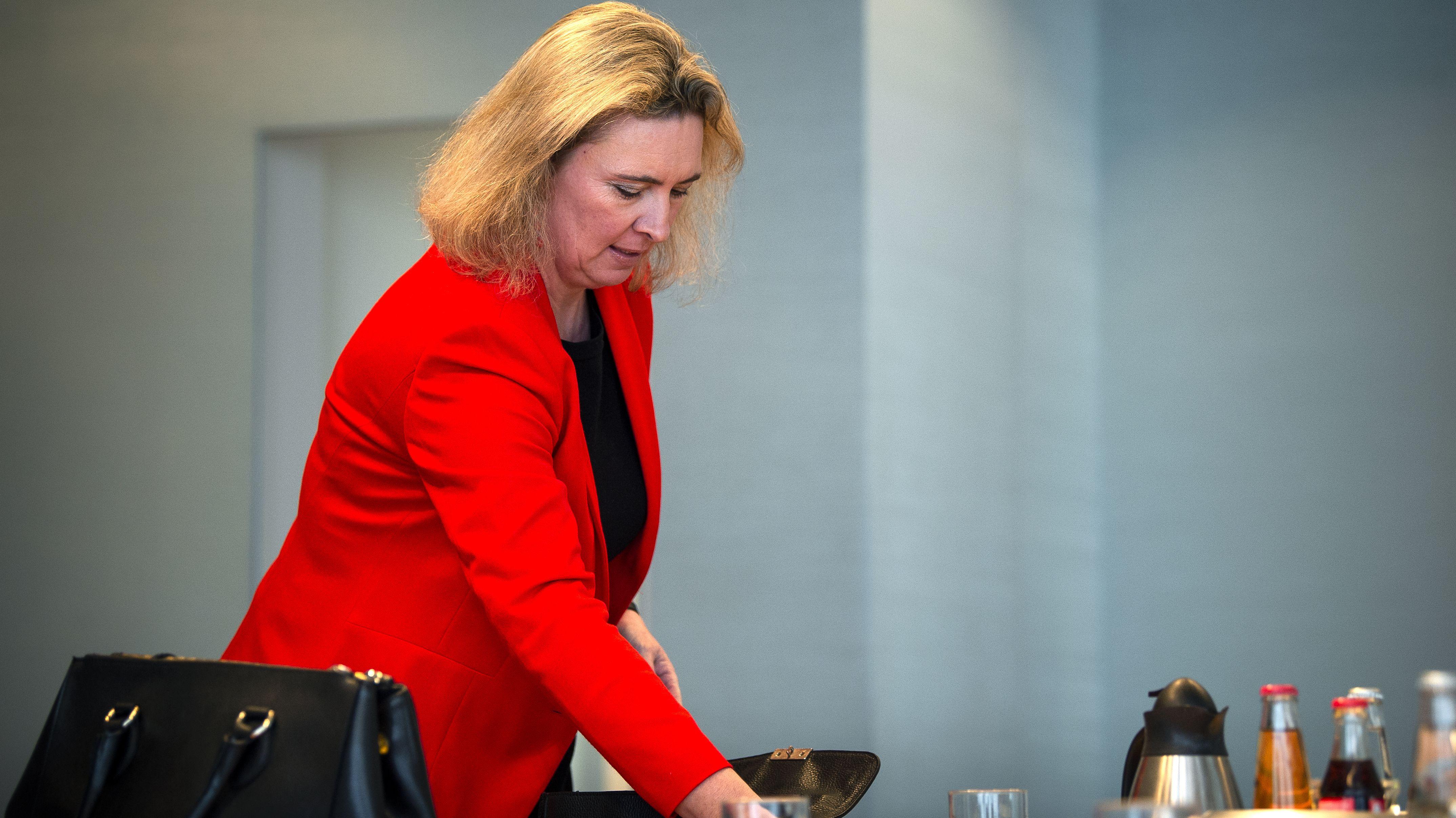 Die bayerische Sozialministerin Kerstin Schreyer (CSU) bei einer Sitzung des Kabinetts am 5. Februar 2019 in München