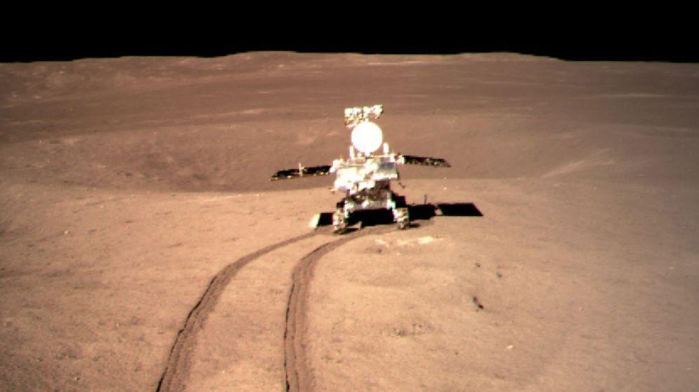 Der Mond-Rover Yutu-2, übersetzt Jadehase 2, untersucht mit spektroskopischen Beobachtungen die der Erde abgewandte Seite des Mondes.