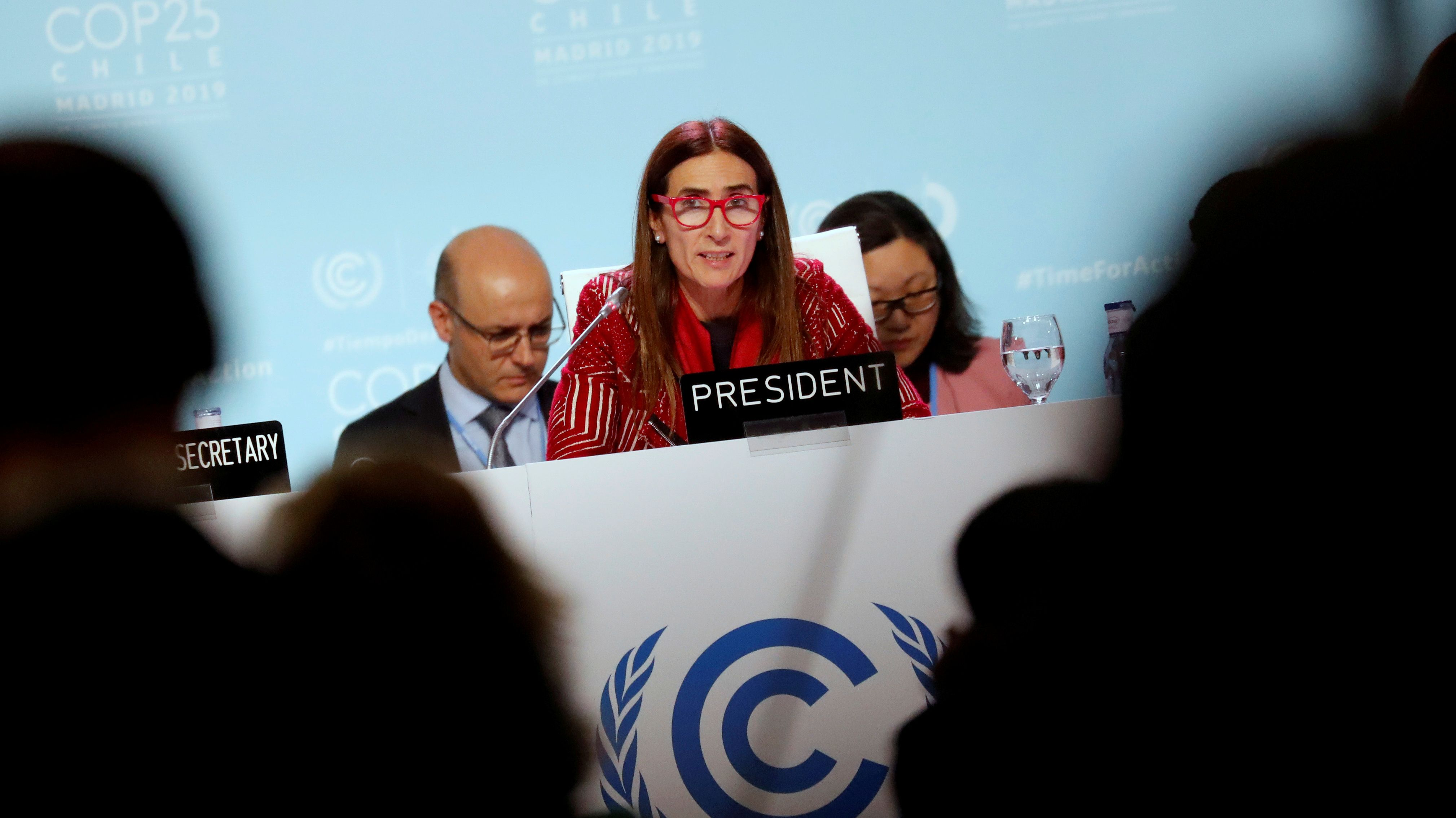 Chiles Umweltministerin und Konferenzpräsidentin Carolina Schmidt auf dem Podium in Madrid