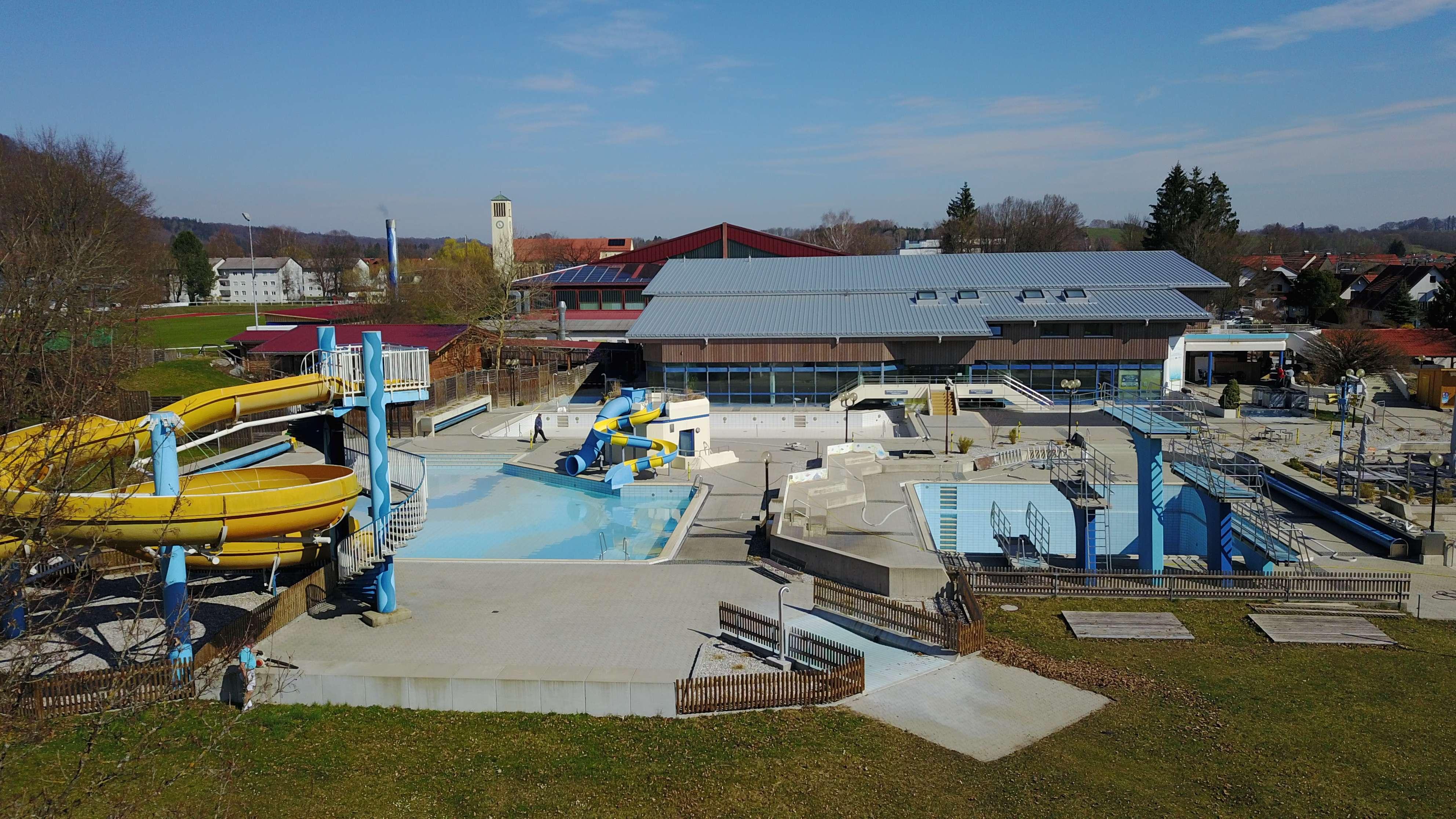 """Die Umwandlung in ein Therapiezentrum rettet das beliebte Schwimmbad """"Rigi-Rutsch'n"""" in Peißenberg."""