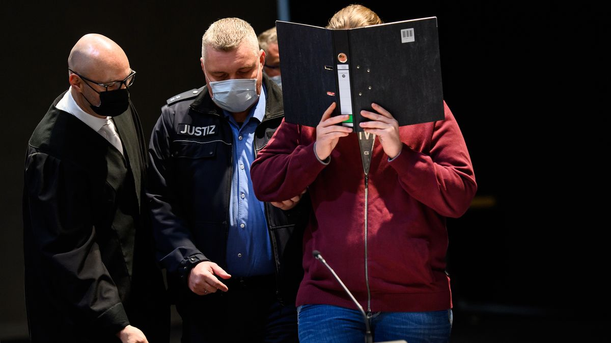 Der Angeklagte beim Prozessauftakt um die Auto-Attacke auf den Rosenmontagsumzug in Volkmarsen