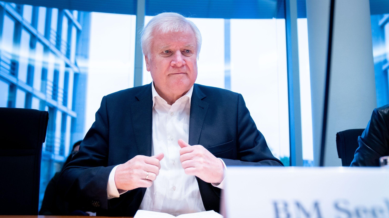 Bundesinnenminister Horst Seehofer bei einer Sitzung des Bundestagsausschusses Inneres und Heimat am 27. September 2019