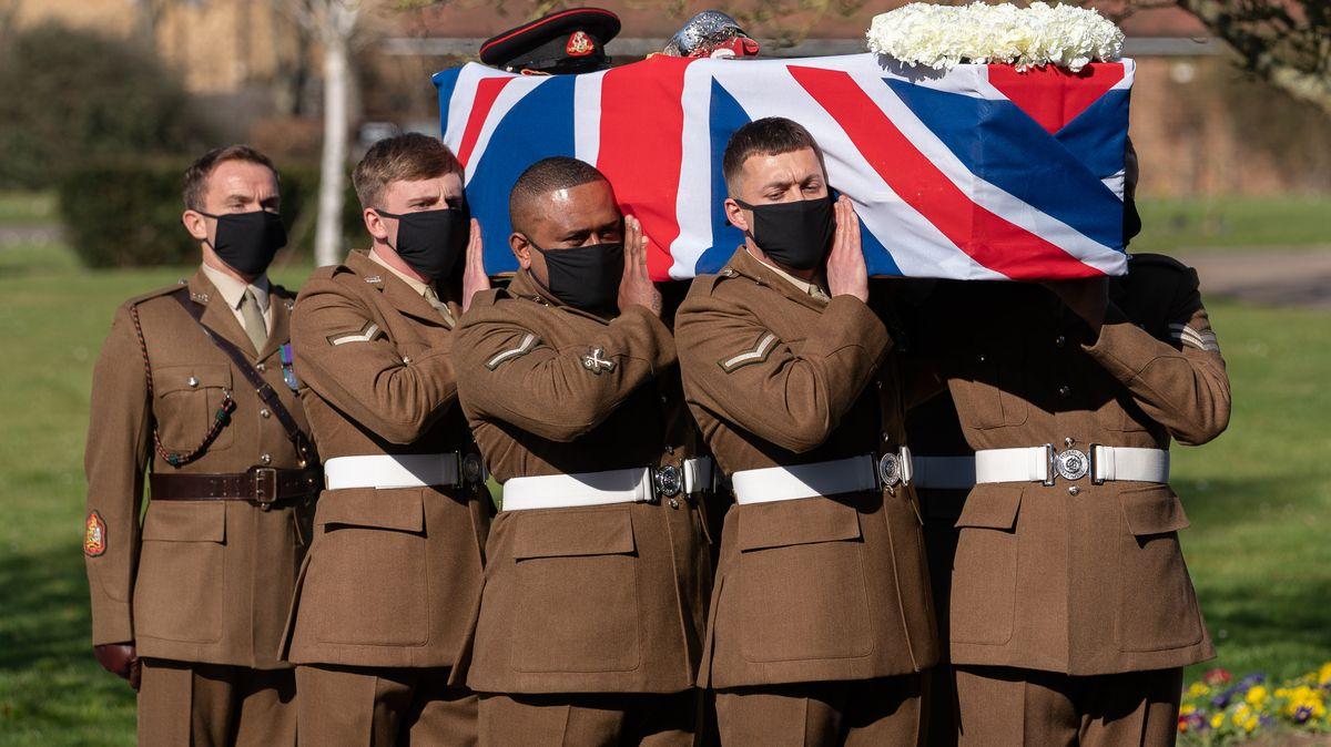 Trauerfeier für britischen Rekordspendensammler Captain Tom.