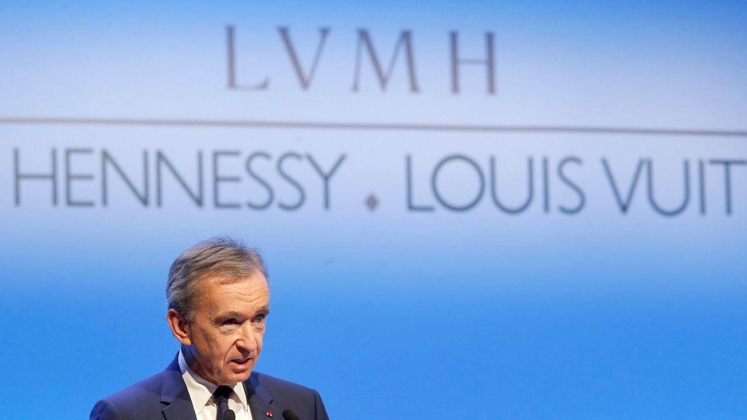 Bernard Arnault, französischer Milliardär und Vorsitzender von LVMH, spricht bei einer Präsentation