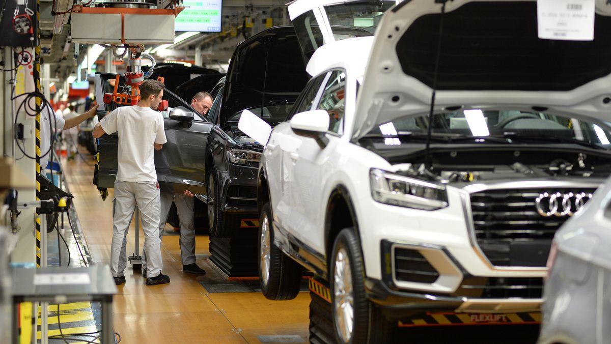Das Audi-Werk in Ingolstadt ist nicht ausgelastet. Deshalb sind Arbeitsplätze in Gefahr.