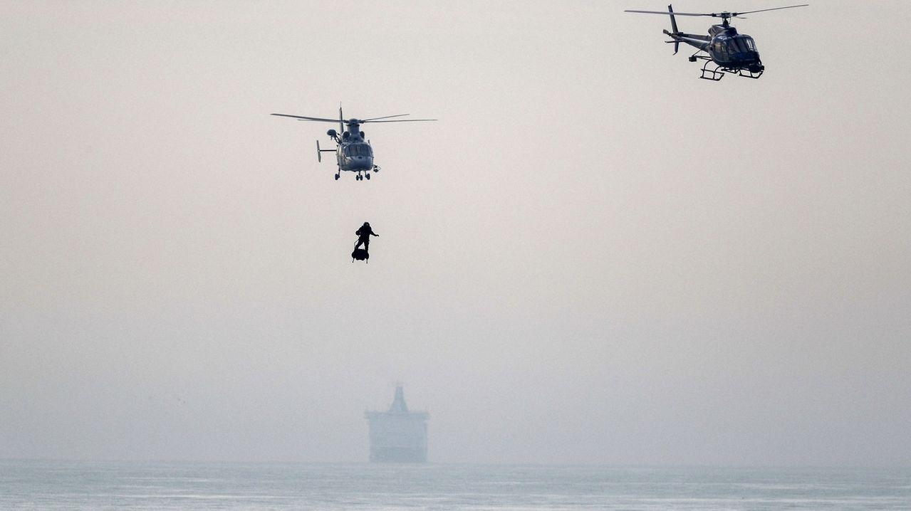 «Raketenmann» Zapata fliegt über den Ärmelkanal