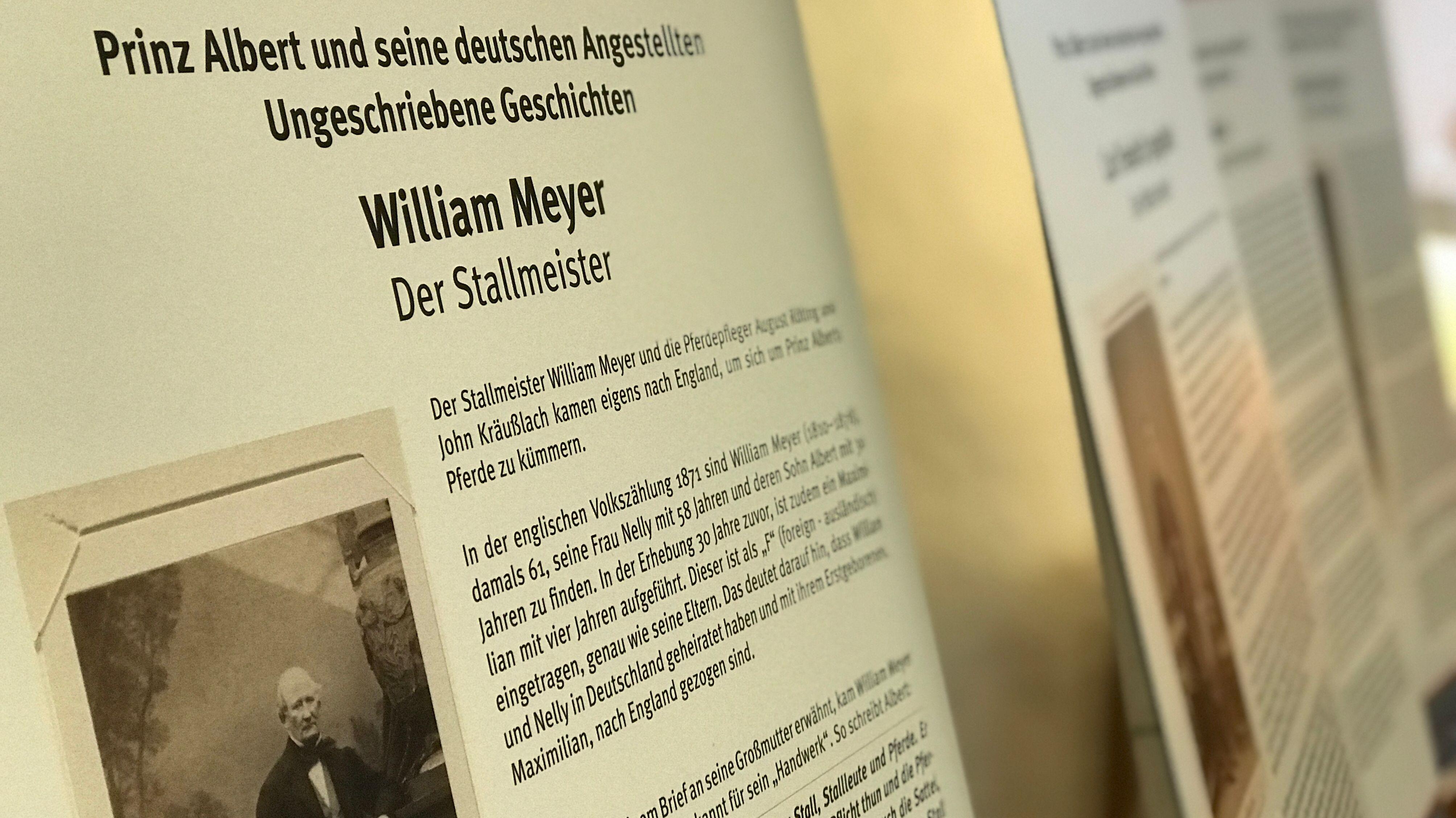 Ein Plakat mit einem Foto des Stallmeisters William Meyer, der ein Angestellter des Prinzen Albert von Sachsen-Coburg und Gotha war.