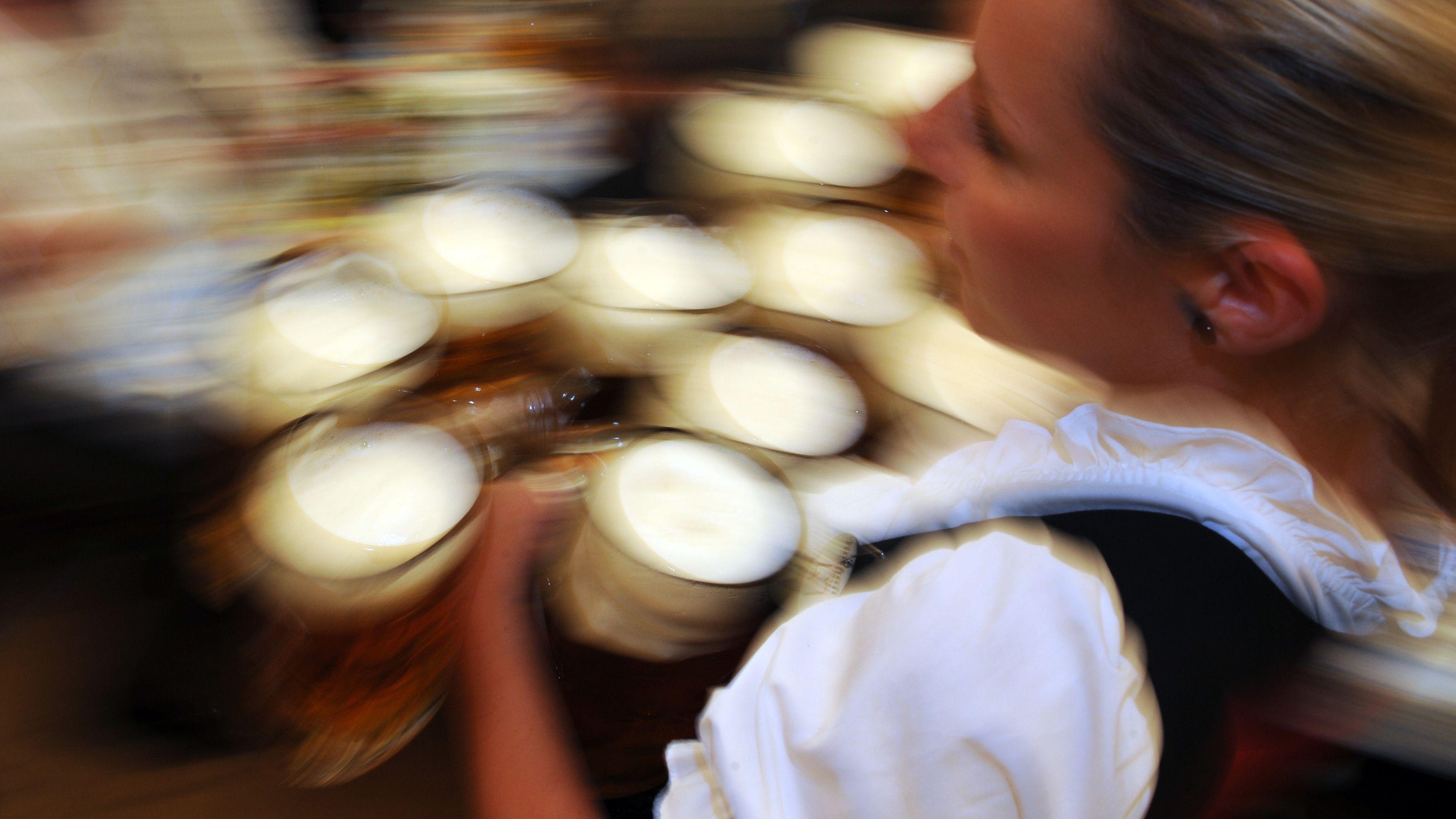 Wer darf beim Jura-Volksfest ab 9. August das Bier ausschenken? Das Verwaltungsgericht befasst sich  kommende Woche mit dem Rechtsstreit.