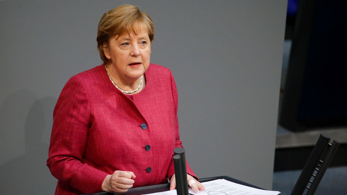 Bundeskanzlerin Angela Merkel im Bundestag am 16.4.2021
