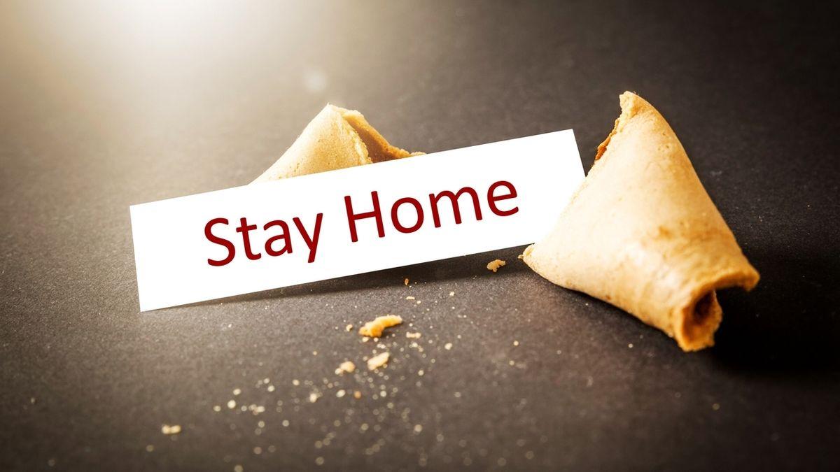 """Stay home"" - Zettel in Glückskeks (Symbolbild)"
