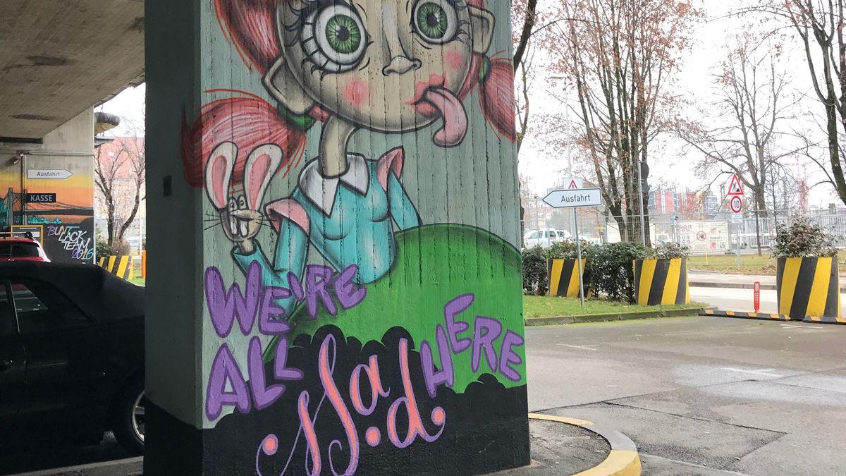 """""""We are all mad here"""" von der Streetart-Künstlerin Beastiestylez."""