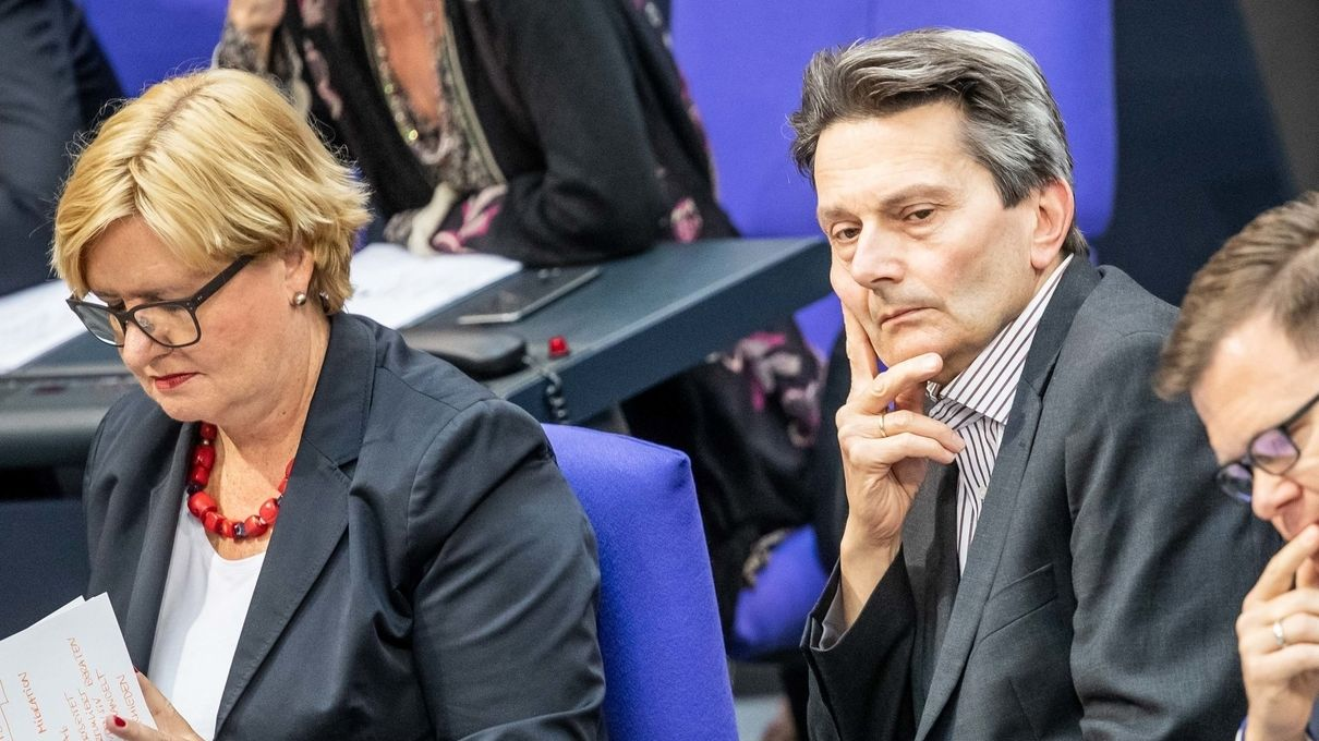 Rolf Mützenich, kommissarischer Fraktionschef der SPD, neben Eva Högl (Fraktions-Vize der SPD).