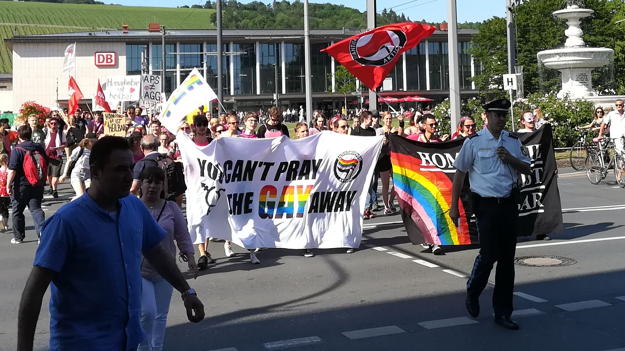 """Demo """"You can't pray the gay away"""" am 7. Juni in Würzburg"""