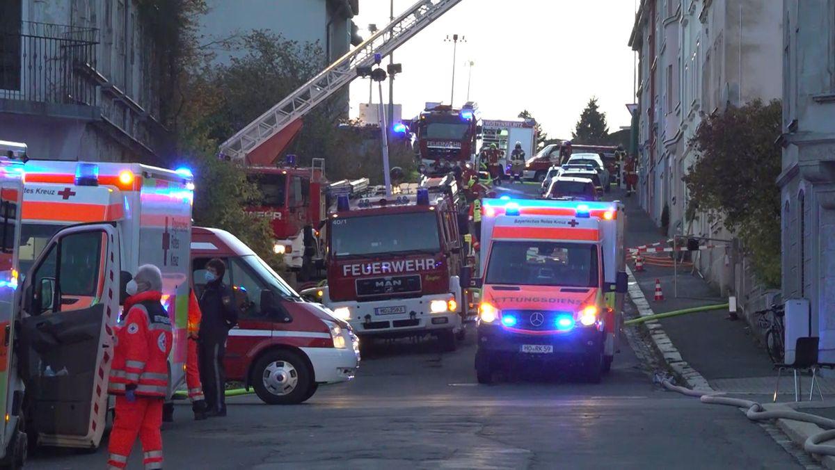 Brand in einem Mehrfamilienhaus in Helmbrechts