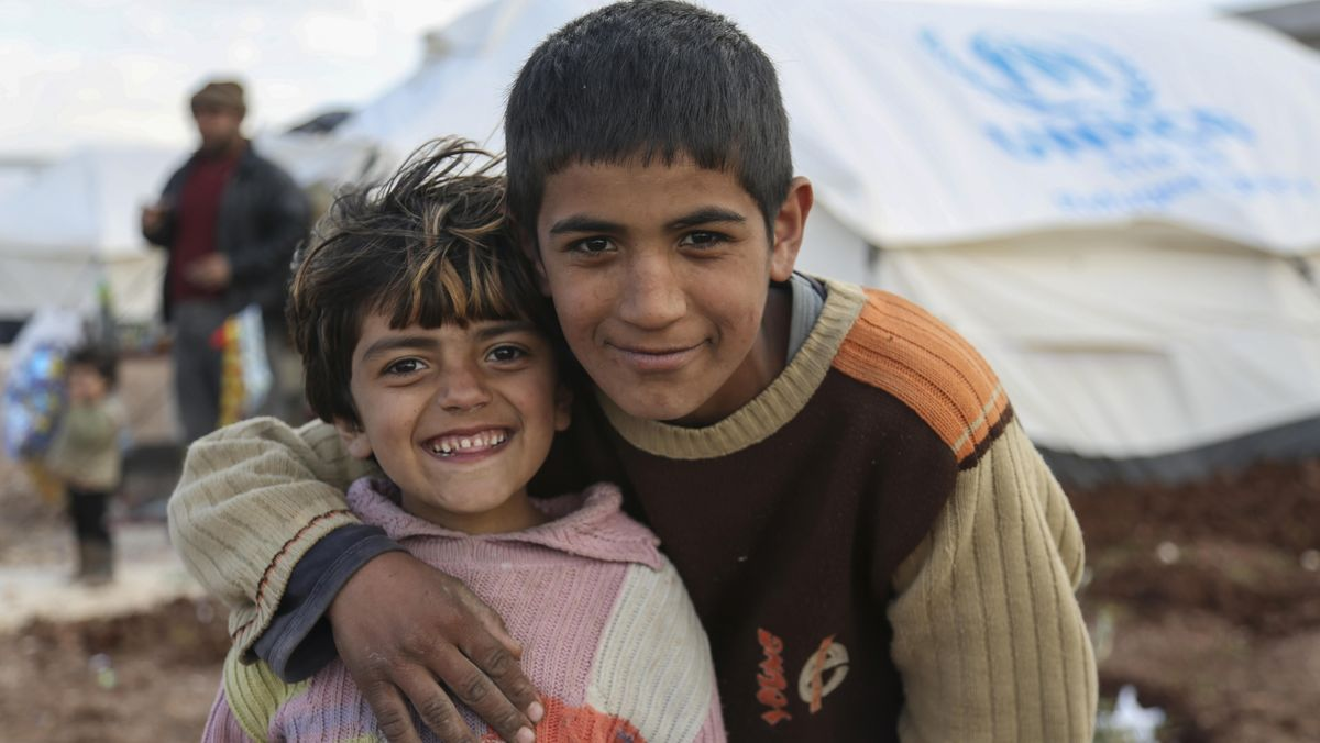 Kinder in einem Flüchtlingslager für syrische Bürgerkriegsflüchtlinge nahe der türkischen Grenze, Bab al-Salameh, Azaz, Aleppo, Syrien