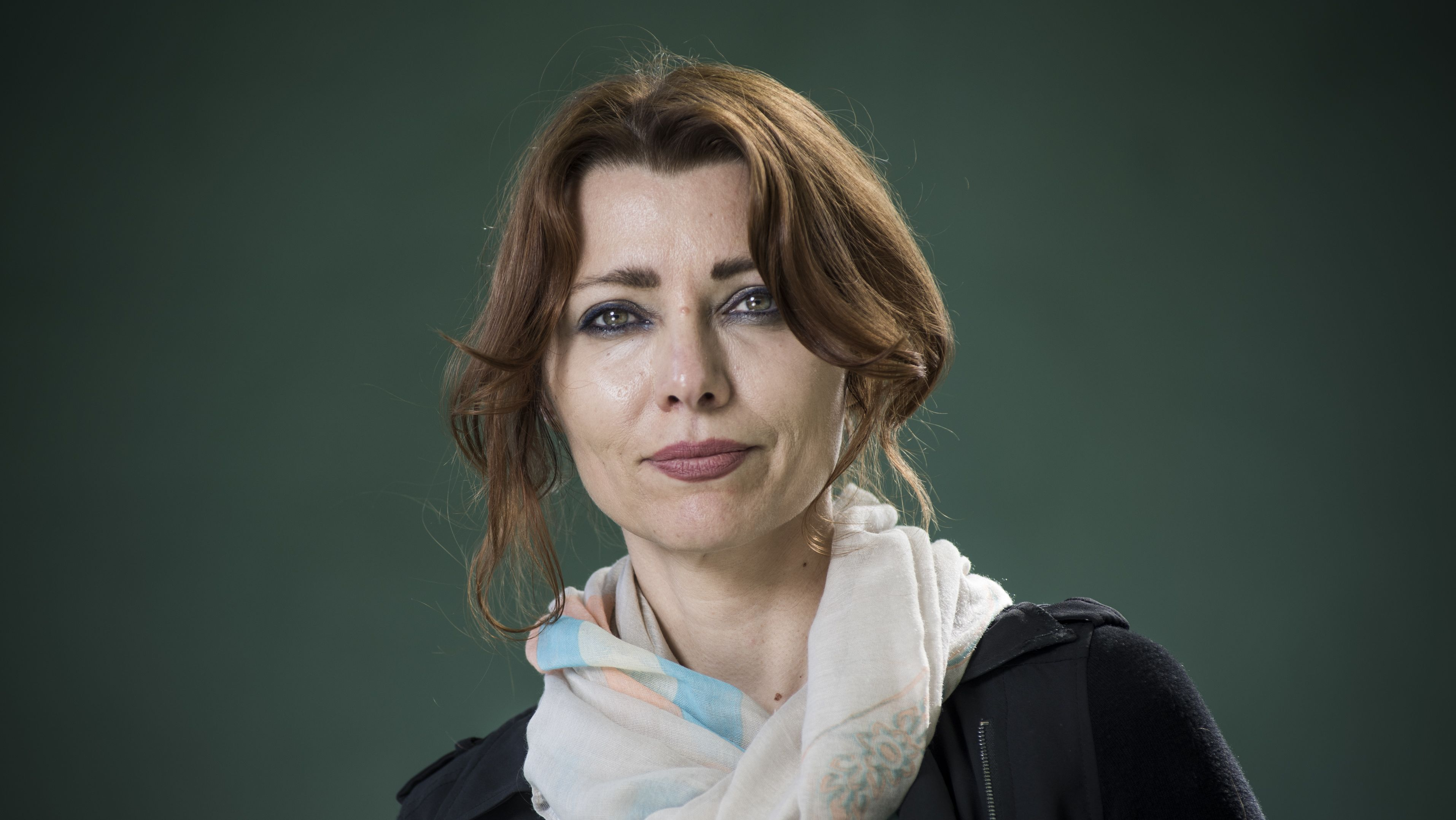Die im Londoner Exil lebende türkische Schriftstellerin Elif Schafak