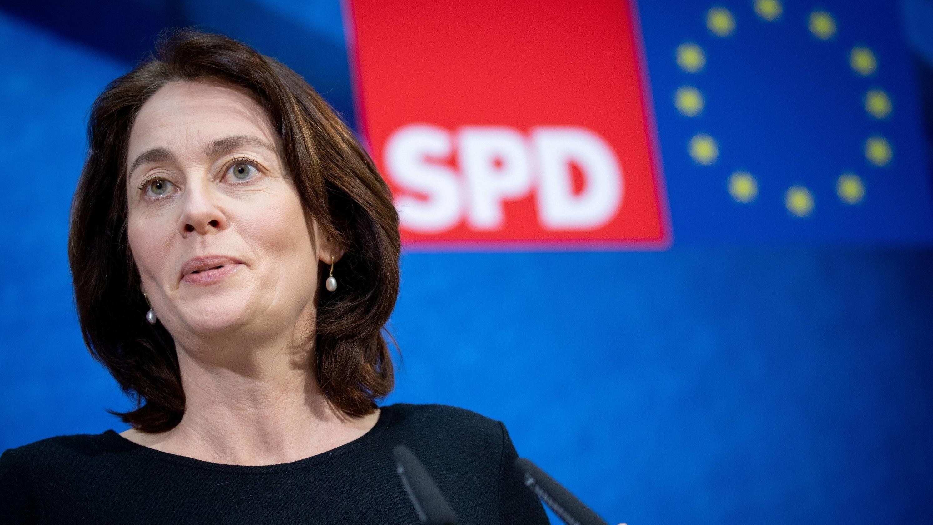 Archiv: Katarina Barley, SPD-Spitzenkandidatin für die Europa-Wahl, stellt das Wahlprogramm ihrer Partei für die Europawahl vor
