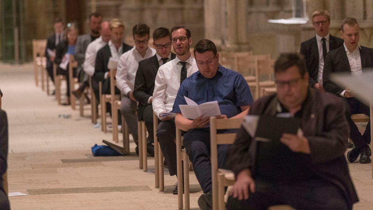Ehemaligen Domspatzen singen die Totenvesper für Georg Ratzinger
