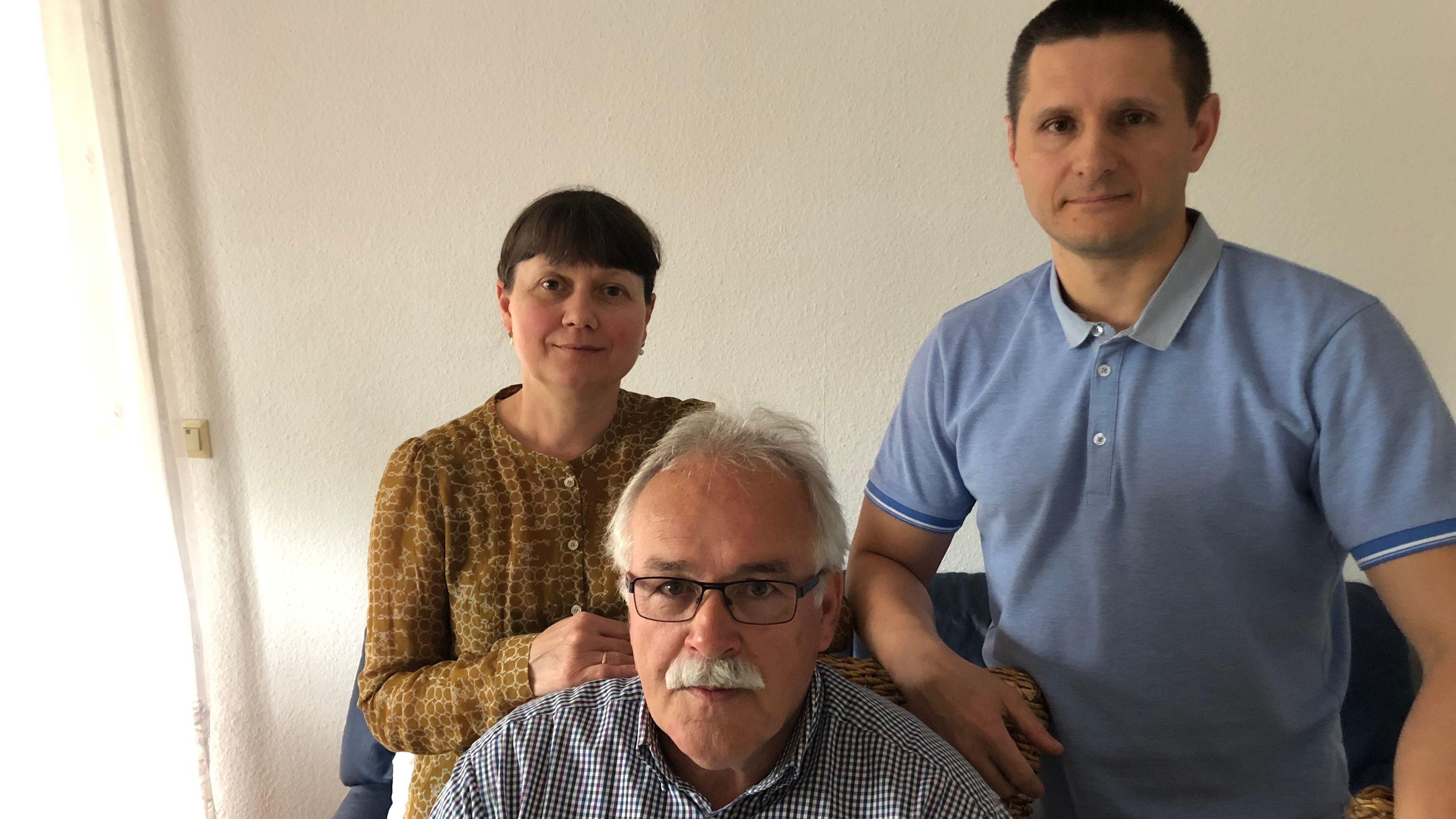 Bürgermeister Karl-Heinz Schöffer und viele Bürger im Ort hatten sich für die  Myronovs eingesetzt.