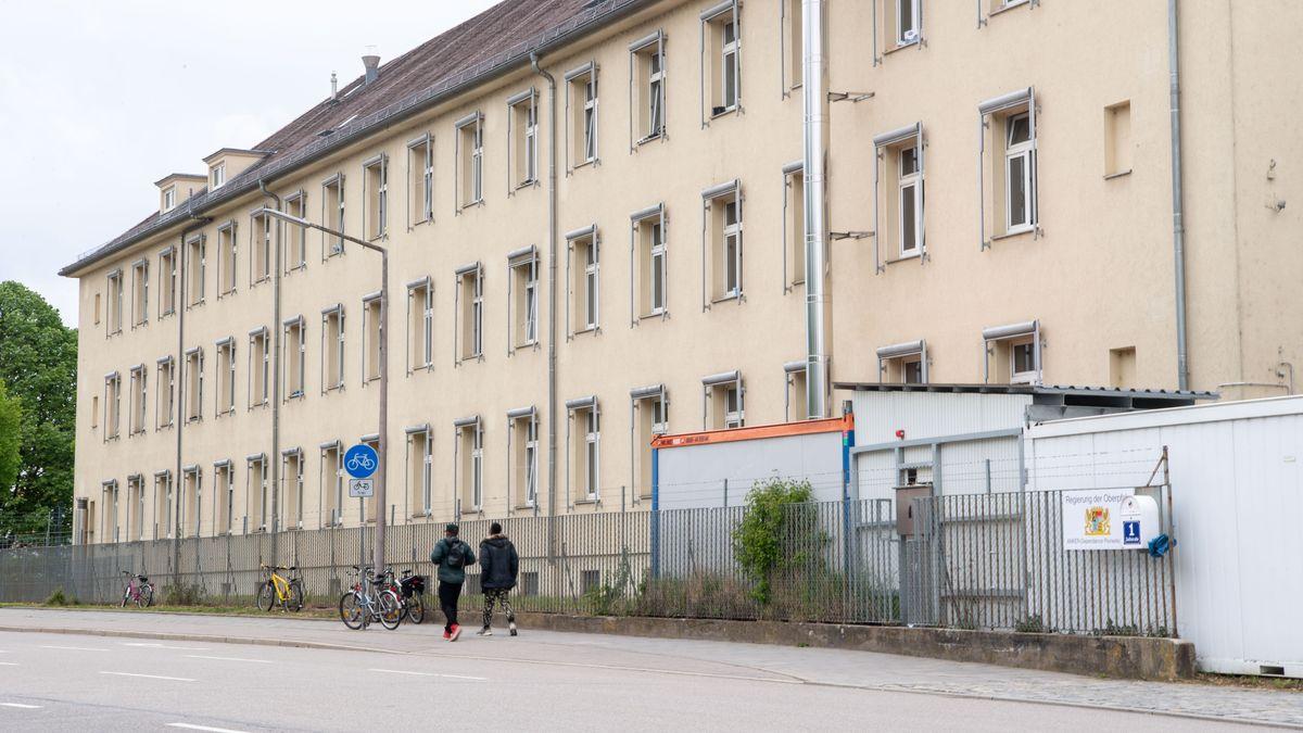 Blick auf das Ankerzentrum Zeißstraße in Regensburg.