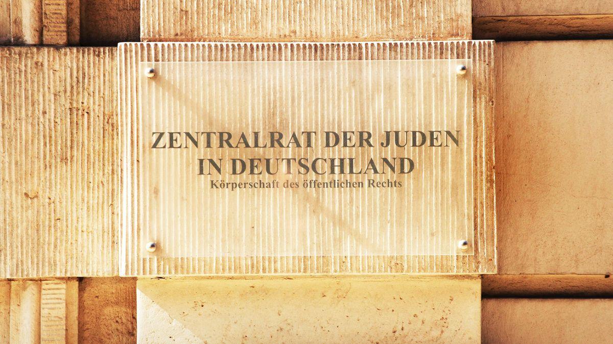 """Tafelaufschrift """"Zentralrat der Juden"""""""
