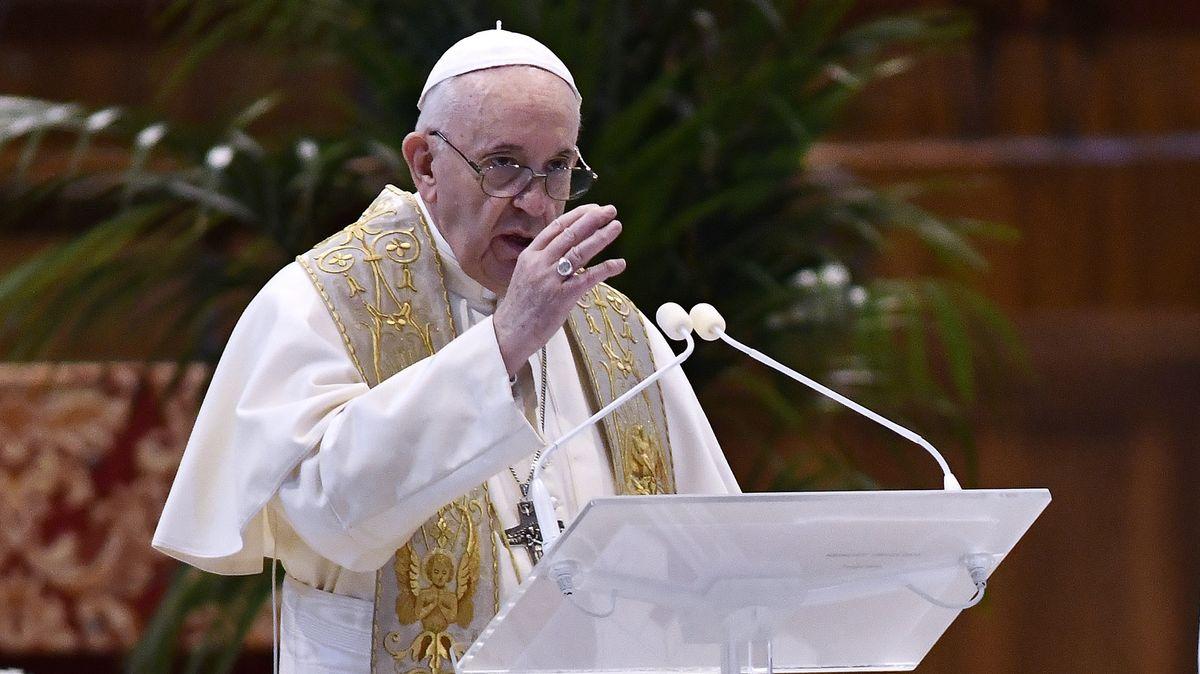 """Papst spendet den Segen """"Urbi et Orbi"""" zu Ostern 2020 aus dem Petersdom"""