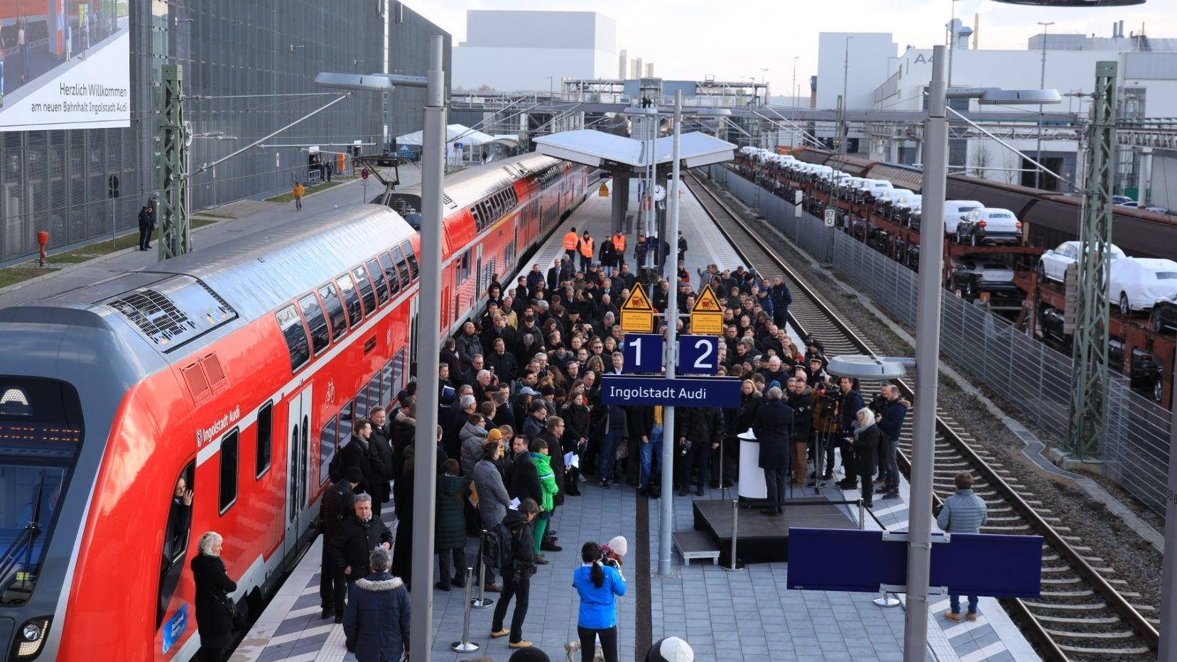 """Der Bahnsteig am neuen Bahnhalt """"Ingolstadt Audi"""""""
