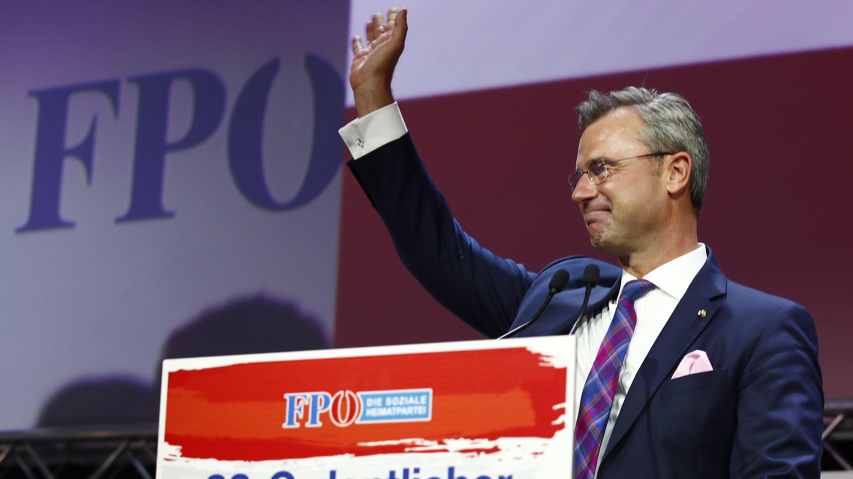 FPÖ-Chef Norbert Hofer am Rednerpult.