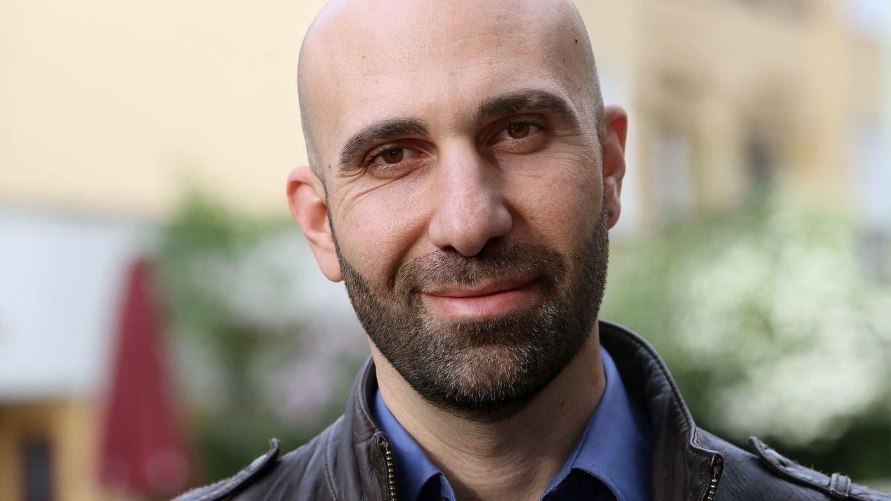 Porträt des deutsch-israelischen Psychologen und Autoren Ahmad Mansour.