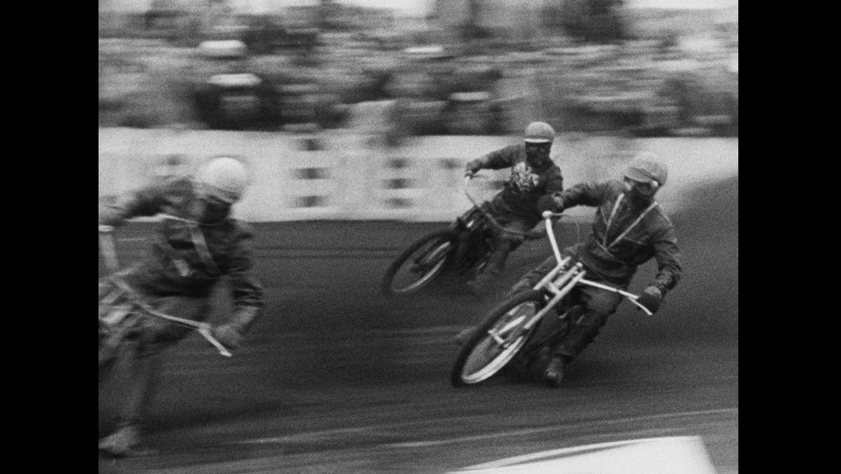 Speedwayfahrer bei der WM 1961 in Abensberg im Kreis Kelheim
