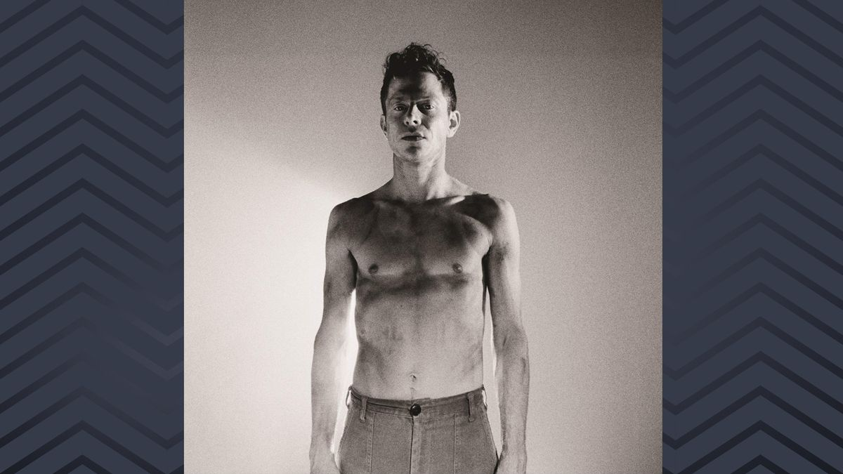 Cover mit dem Schwarzweißfoto eines Mannes mit nacktem Oberkörper