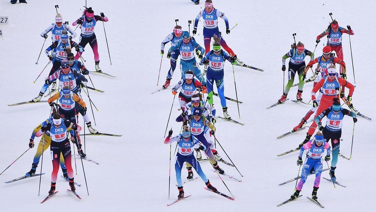 Die Biathletinnen auf der Strecke in Oberhof