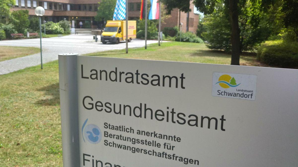 Das Gesundheitsamt Schwandorf verhängte Quarantäne für alle Partygäste und bat zum Test