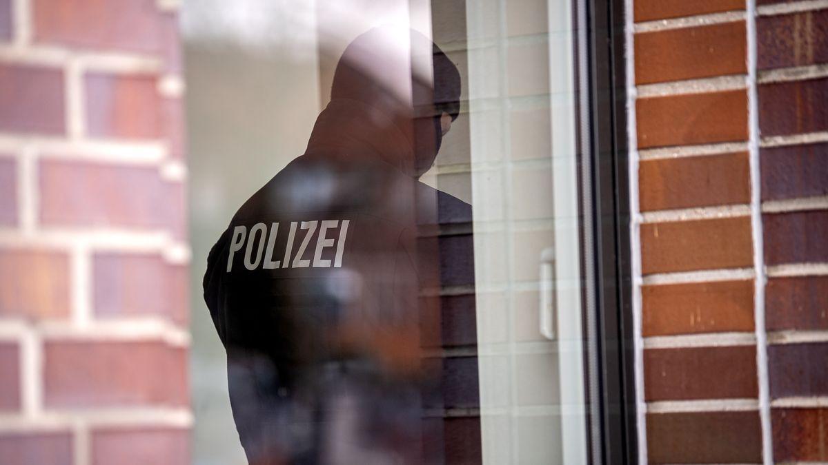 Hausdurchsuchung der Polizei (Symbolbild)