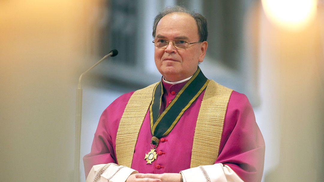 Bertram Meier, Bischof der Diözese Augsburg, steht im Hohen Dom.