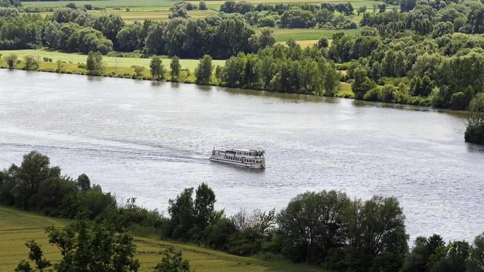 Blick von der Walhalla in Donaustauf über die Donau | Bild:picture alliance/imageBROKER