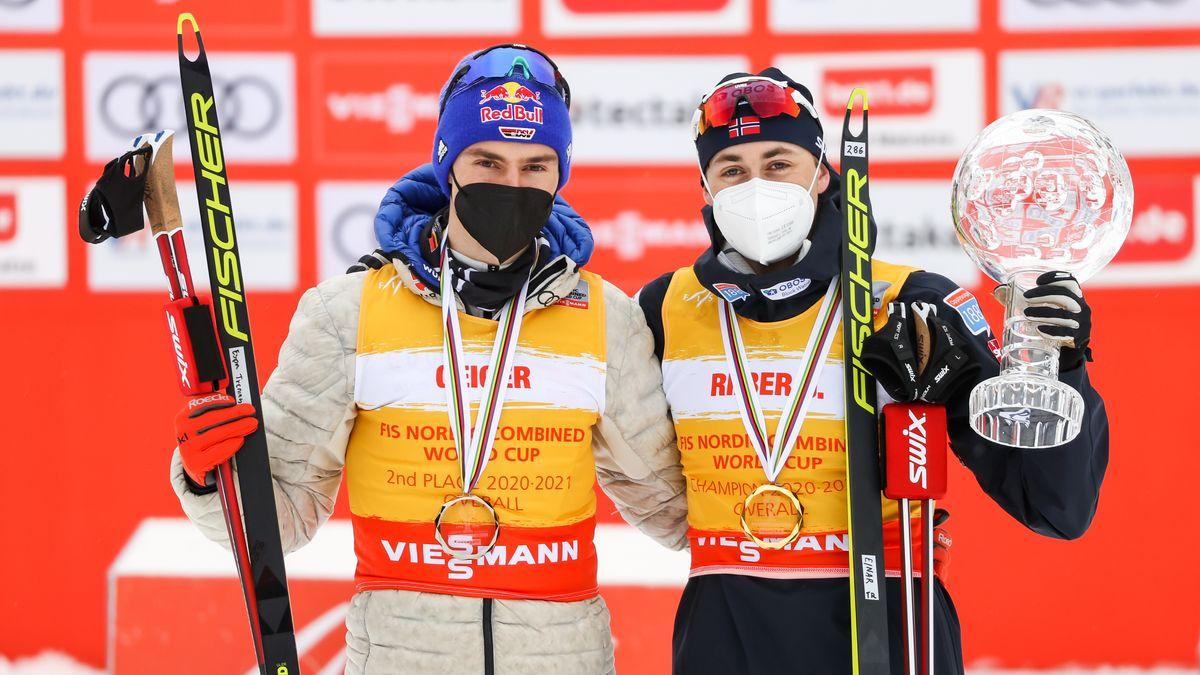 Jarl Magnus Riiber (r) aus Norwegen gewinnt den Gesamtweltcup, Zweiter wird Vinzenz Geiger aus Deutschland.
