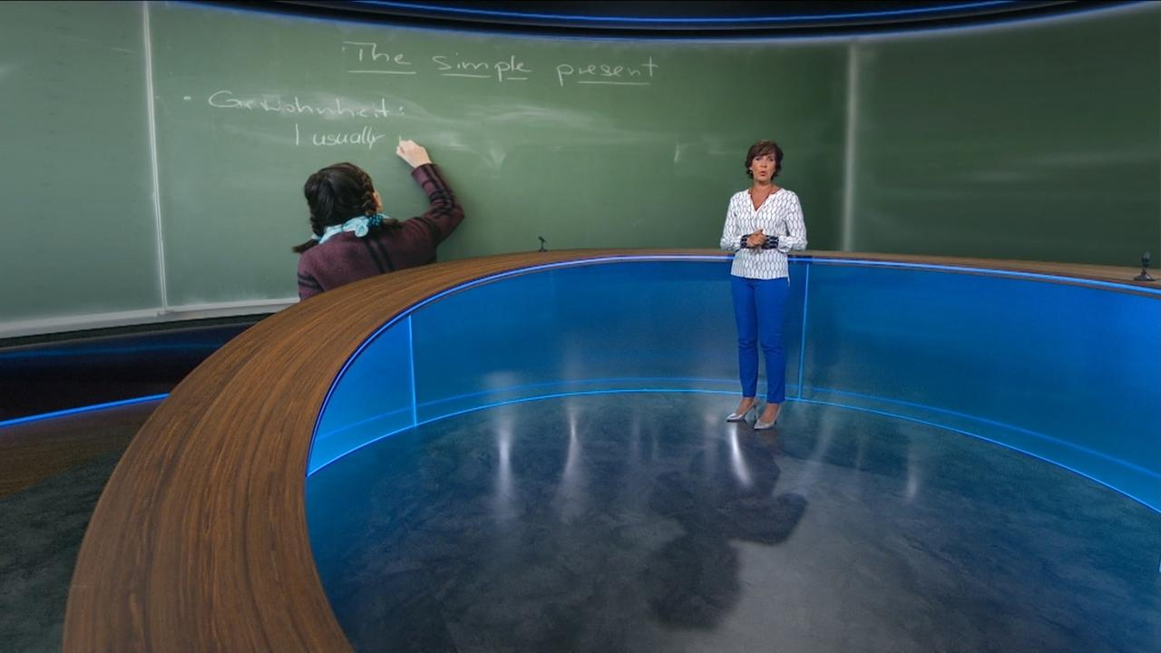 Moderatorin Ursula Heller im Rundschau-Studio