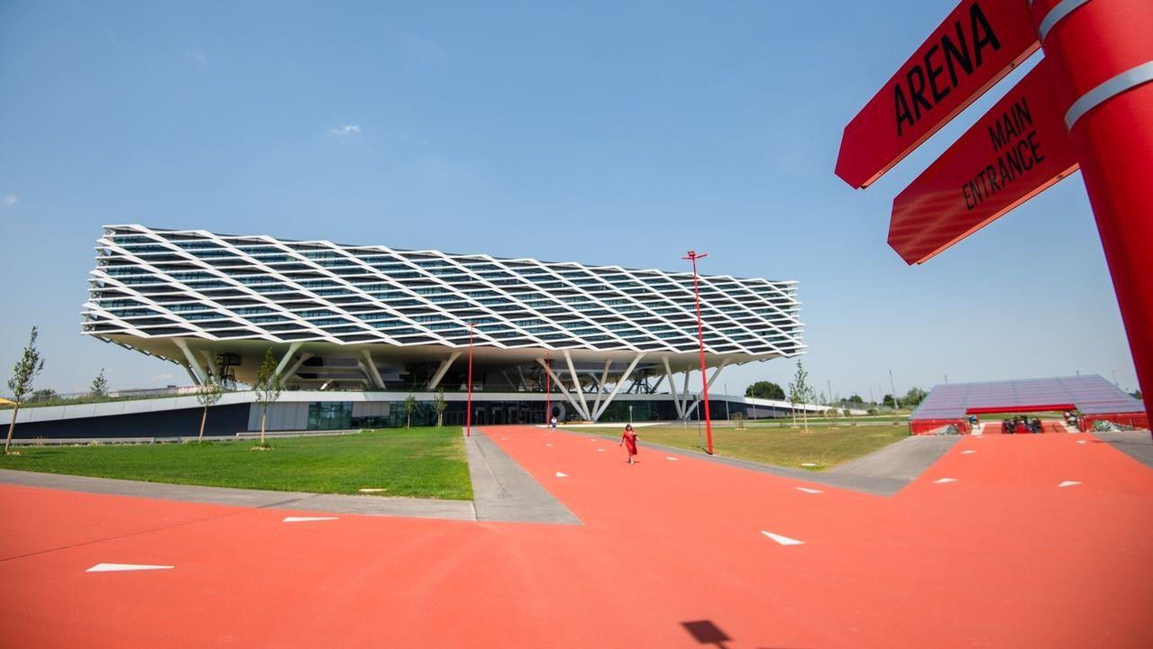 """Die """"Arena"""", eines der Gebäude in der """"World of Sports"""" in Herzogenaurach"""