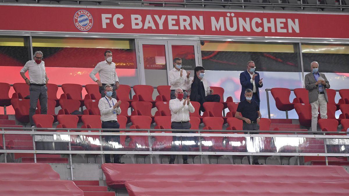 Der DFB-Pokal hat gezeigt: Nicht alle Zuschauer verhalten sich auf der Tribüne so vorschriftsgemäß wie die Funktionäre des FC Bayern.