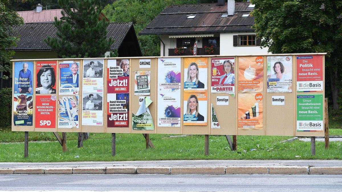 Wahlplakate für die Bundestagswahl 2021 am 20.09.2021 im Landkreis Berchtesgadener Land.