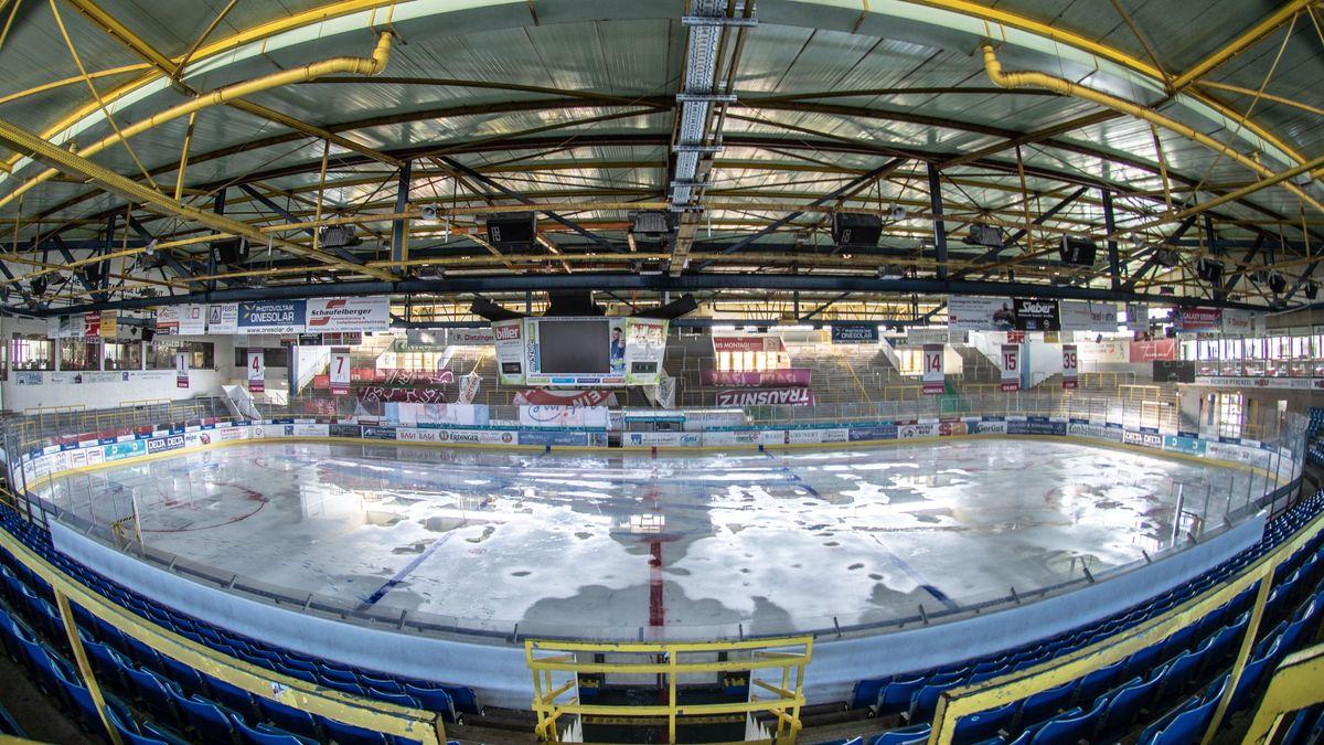 Leeres Eisstadion in Landshut