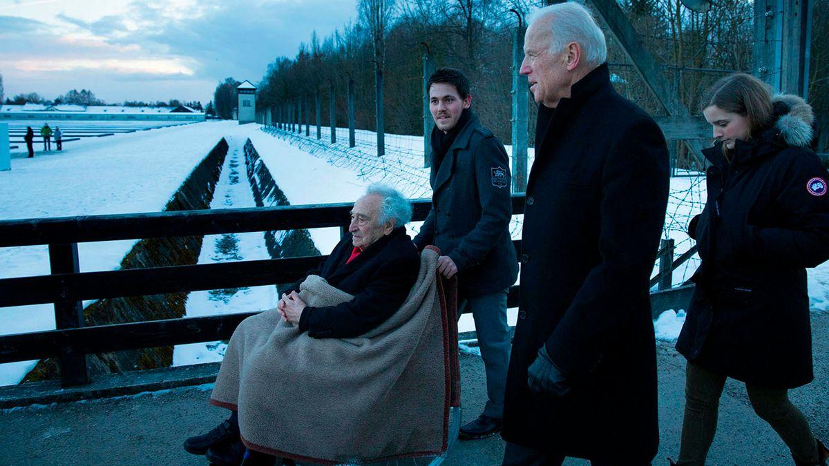 Joe Biden gemeinsam mit Max Mannheimer