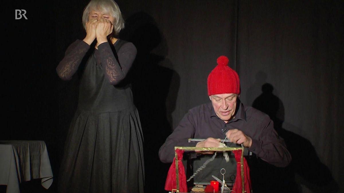 Theater aus dem Koffer: Die kleinste Bühne der Welt